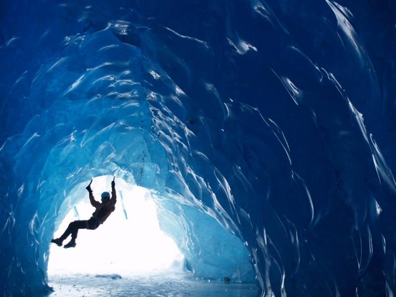 Glacier and Iceberg Bouldering 101: A Photo Essay