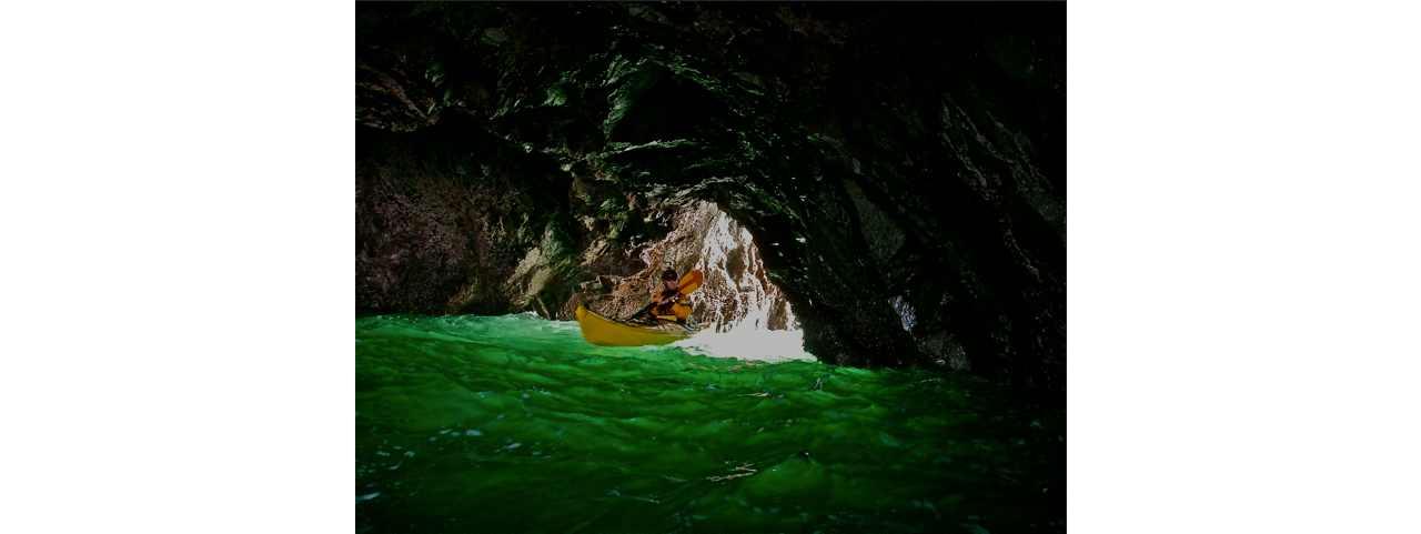 Video: Sea Kayaking Oregon's Coastal Caves and Tunnels