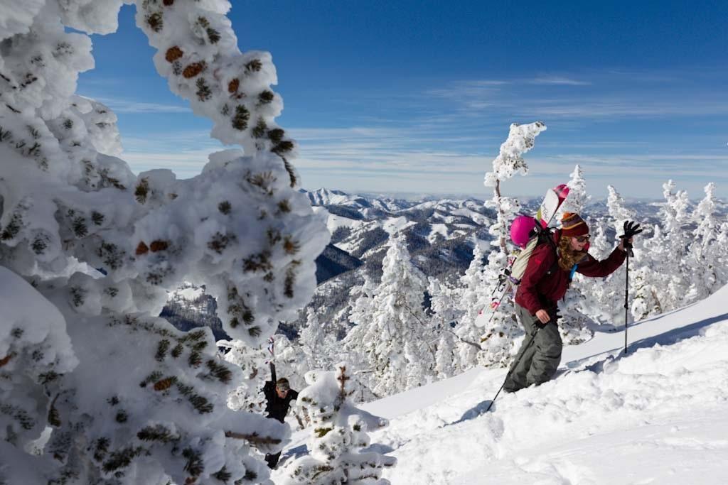 Understanding venting in sidecountry ski jackets